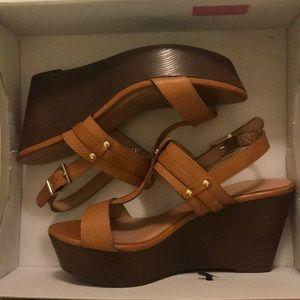 PRICE DROP🛍ALDO Tan Sandals Sz 7